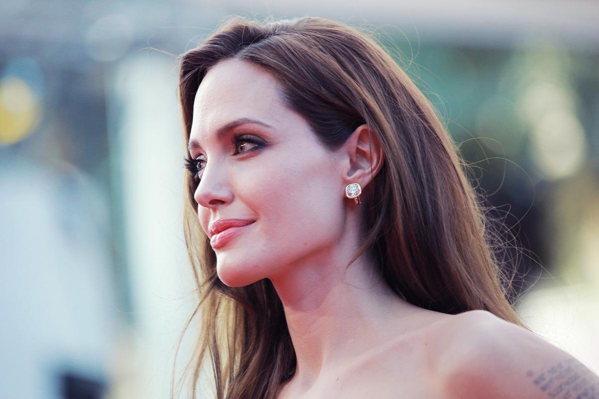 углы Джоли