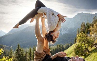 Хатха с краю: необычные виды йоги