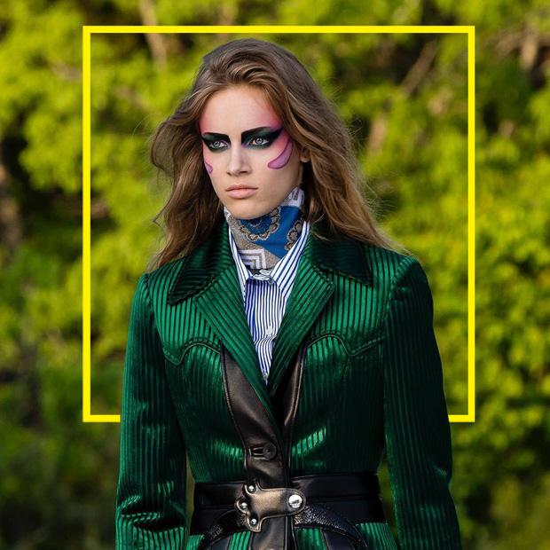 5e569dfdf145 Пэт МакГрат, любимый дизайнер Дэвида Боуи, основательница японской духовной  школы – что между ними общего? Показ круизной коллекции Louis Vuitton.