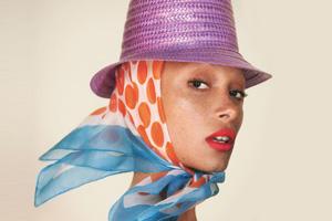 Модель Адвоа Абоа стала лицом Marc Jacobs Beauty