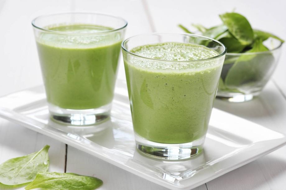 Коктейль для похудения с творогом и зеленью