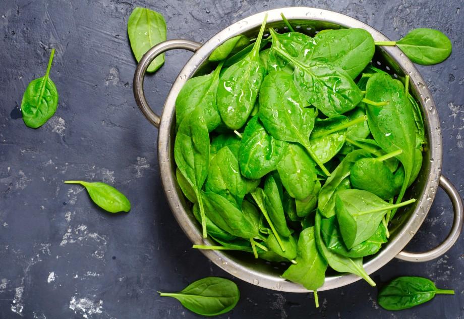 Легкий для желудка продукт: шпинат