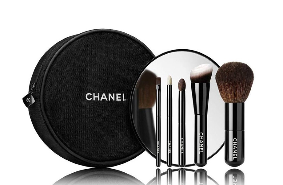 Chanel set brush travel