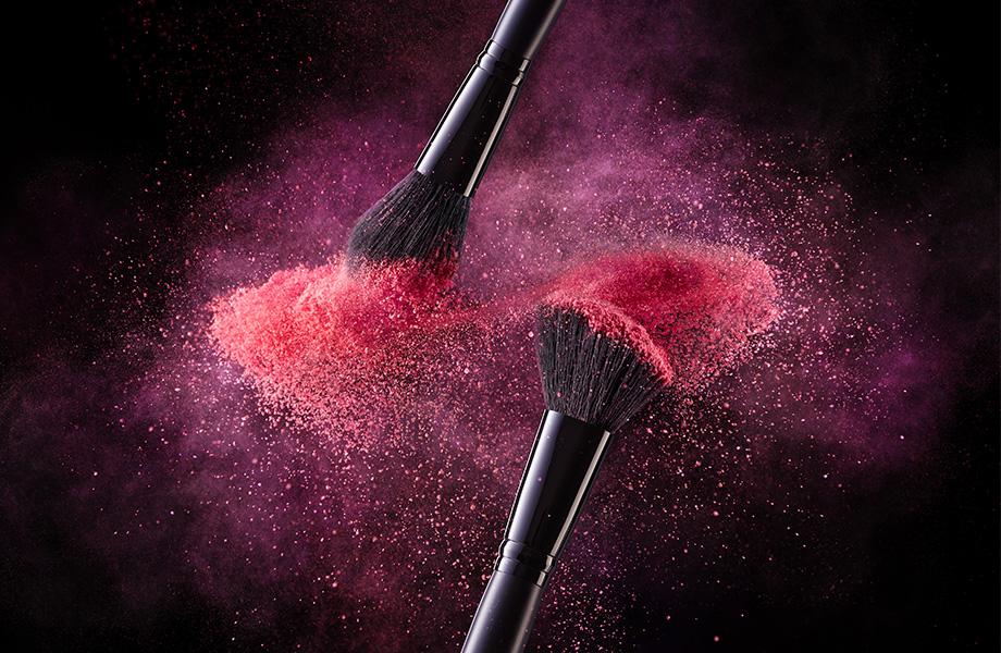 Пушистые помощники: какие кисти для макияжа необходимы визажисту?