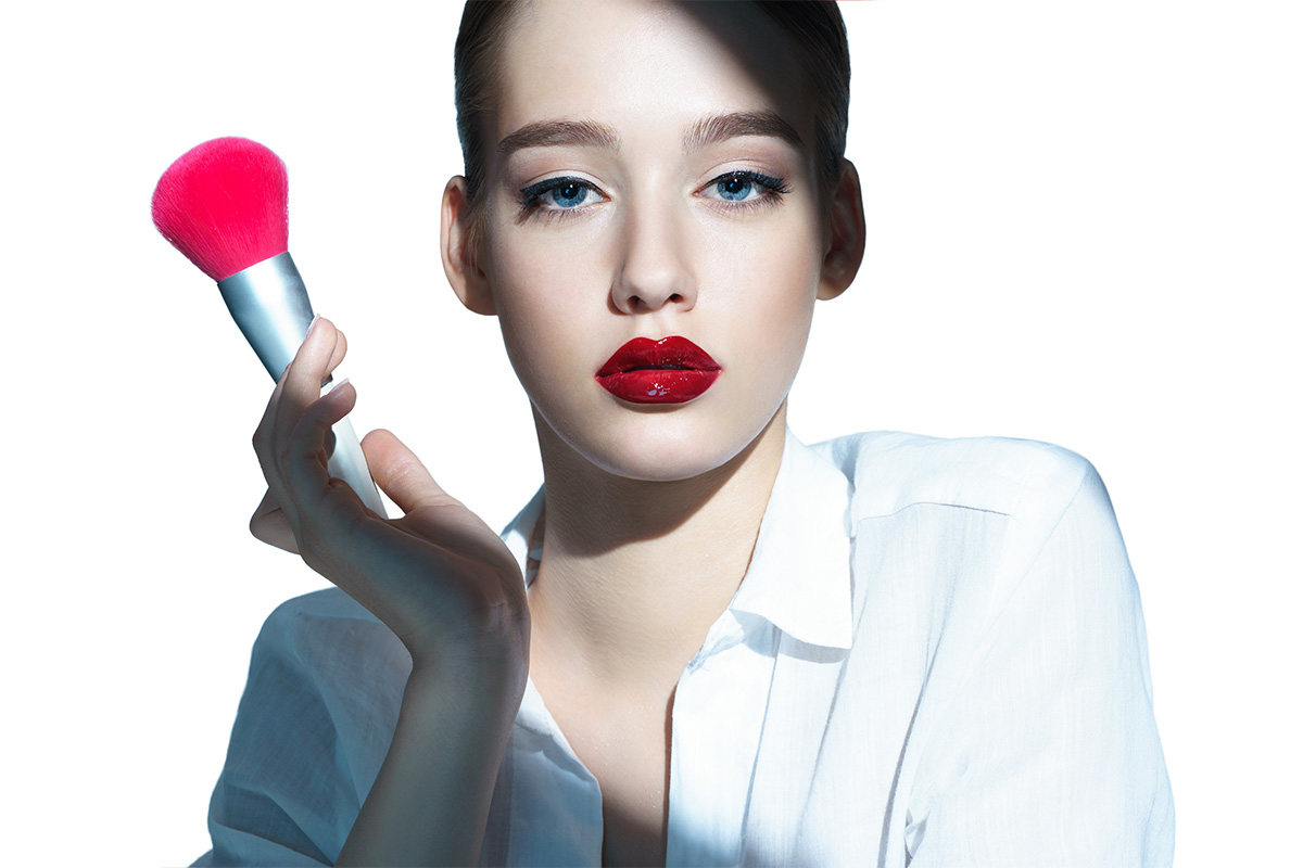 Идеальные пропорции: коррекция формы губ с помощью макияжа