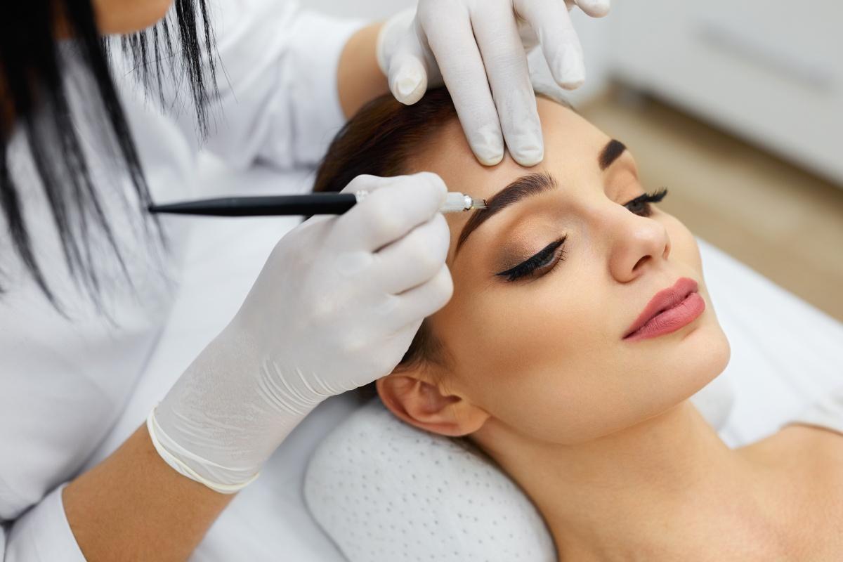 Перманентный макияж: как не ошибиться при выборе мастера