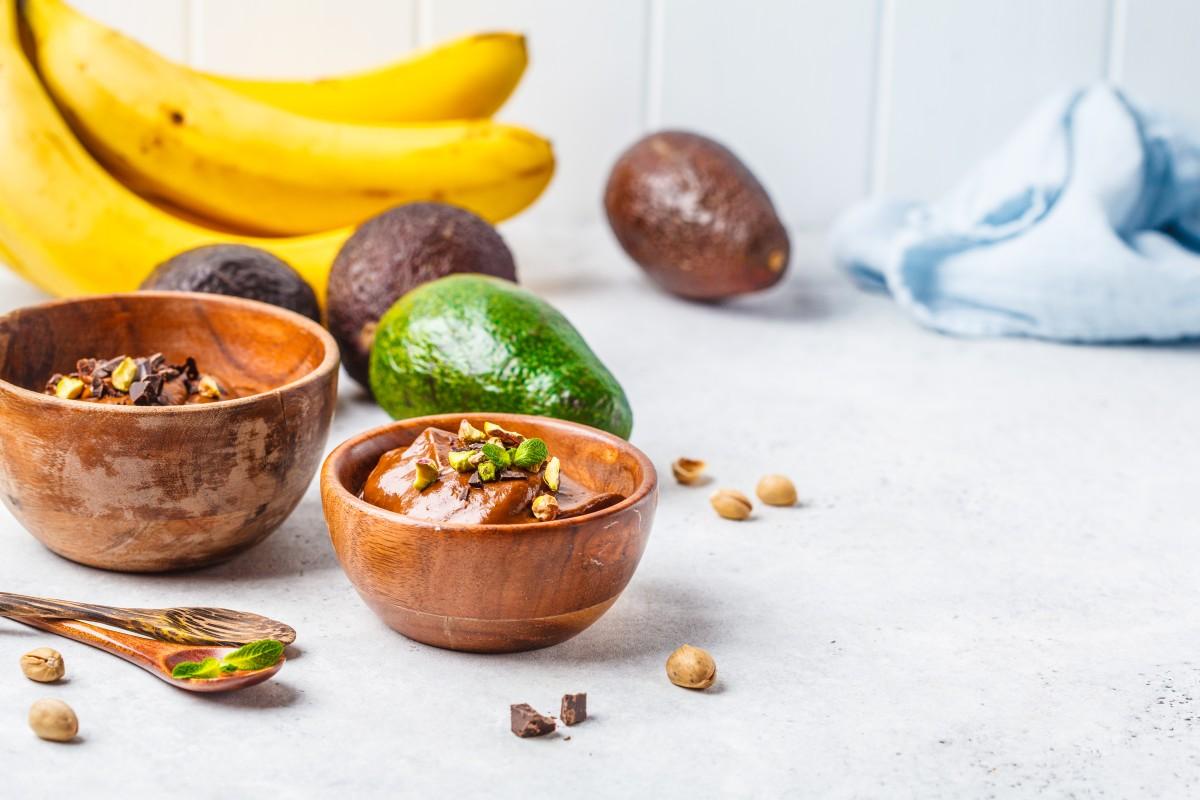 Смузи из авокадо и какао