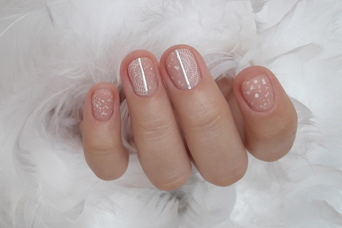 Романтичный экспресс-дизайн ногтей: пошаговая технология с фото