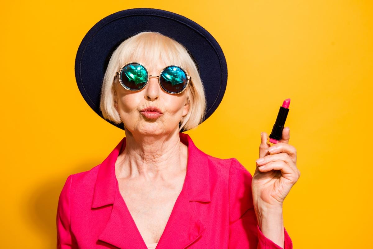 Возрастные губы: особенности перманентного макияжа