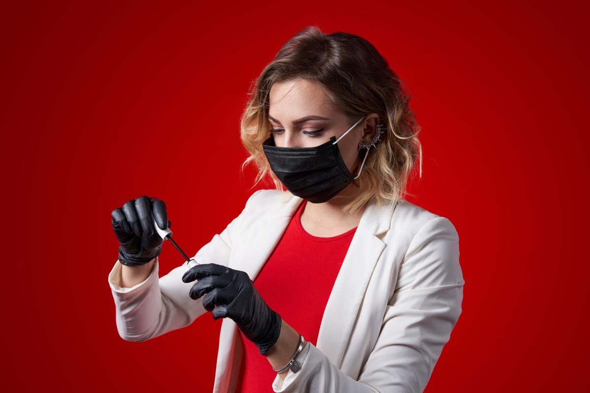 Безопасный перманентный макияж: профилактика инфекций