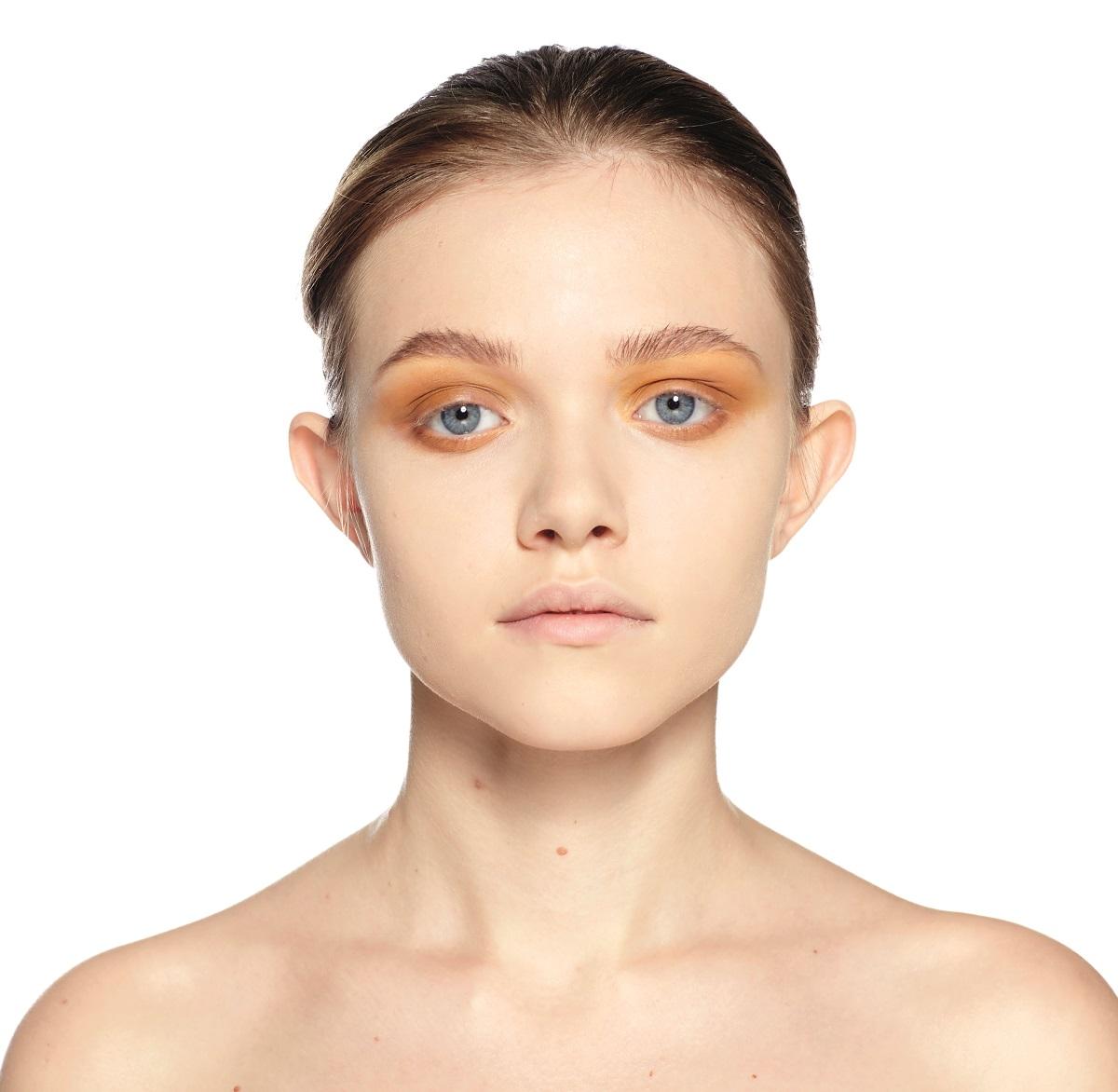 Эффект влажных век макияж