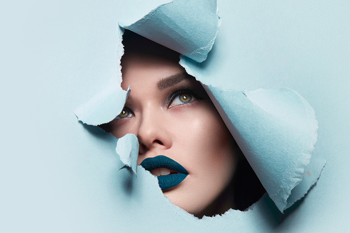 Перманентный макияж: коррекция синих губ