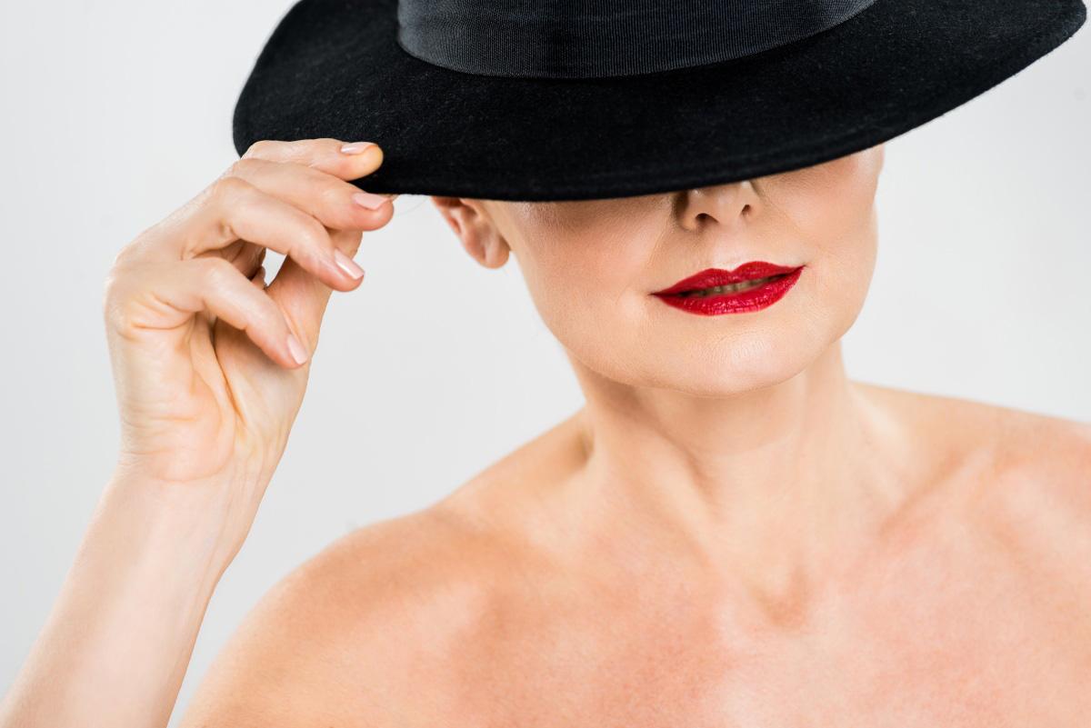 «Синдром Зинаиды», или Сложные ситуации в перманентном макияже губ