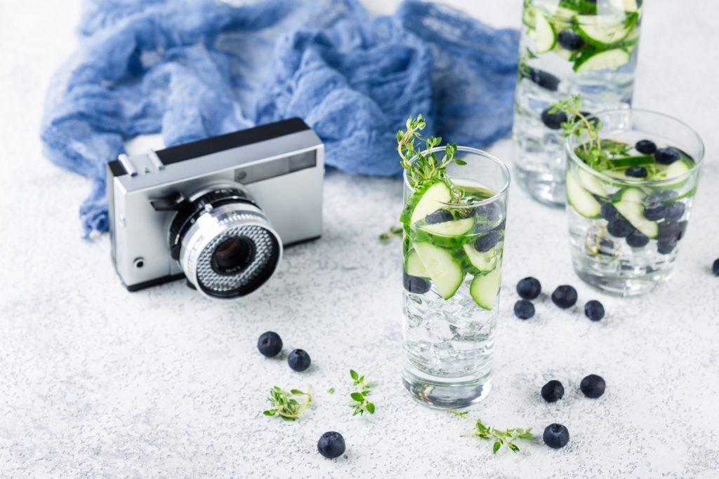 ароматизированная вода с фруктами