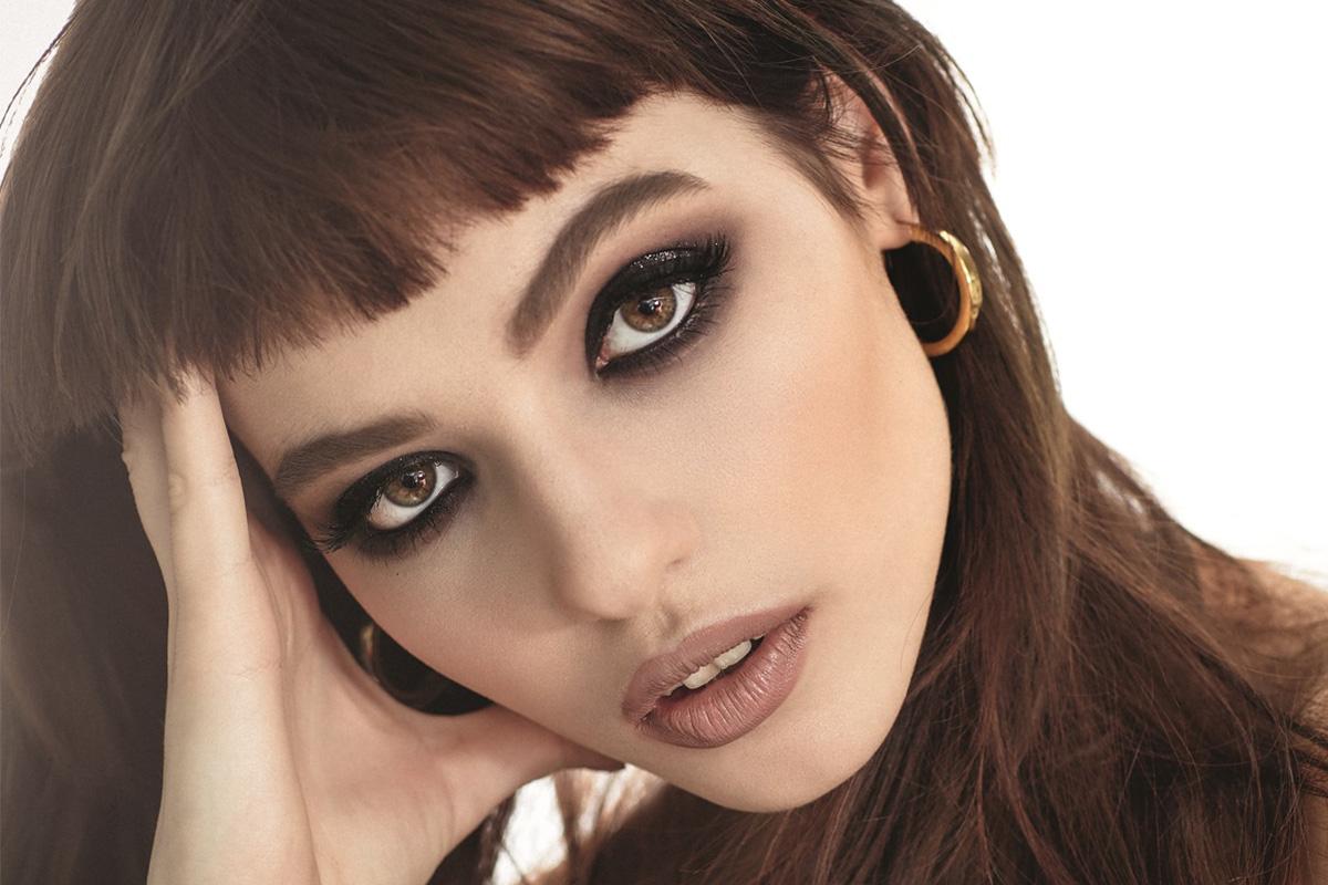 Дымчатый макияж глаз: пошаговая технология с фото
