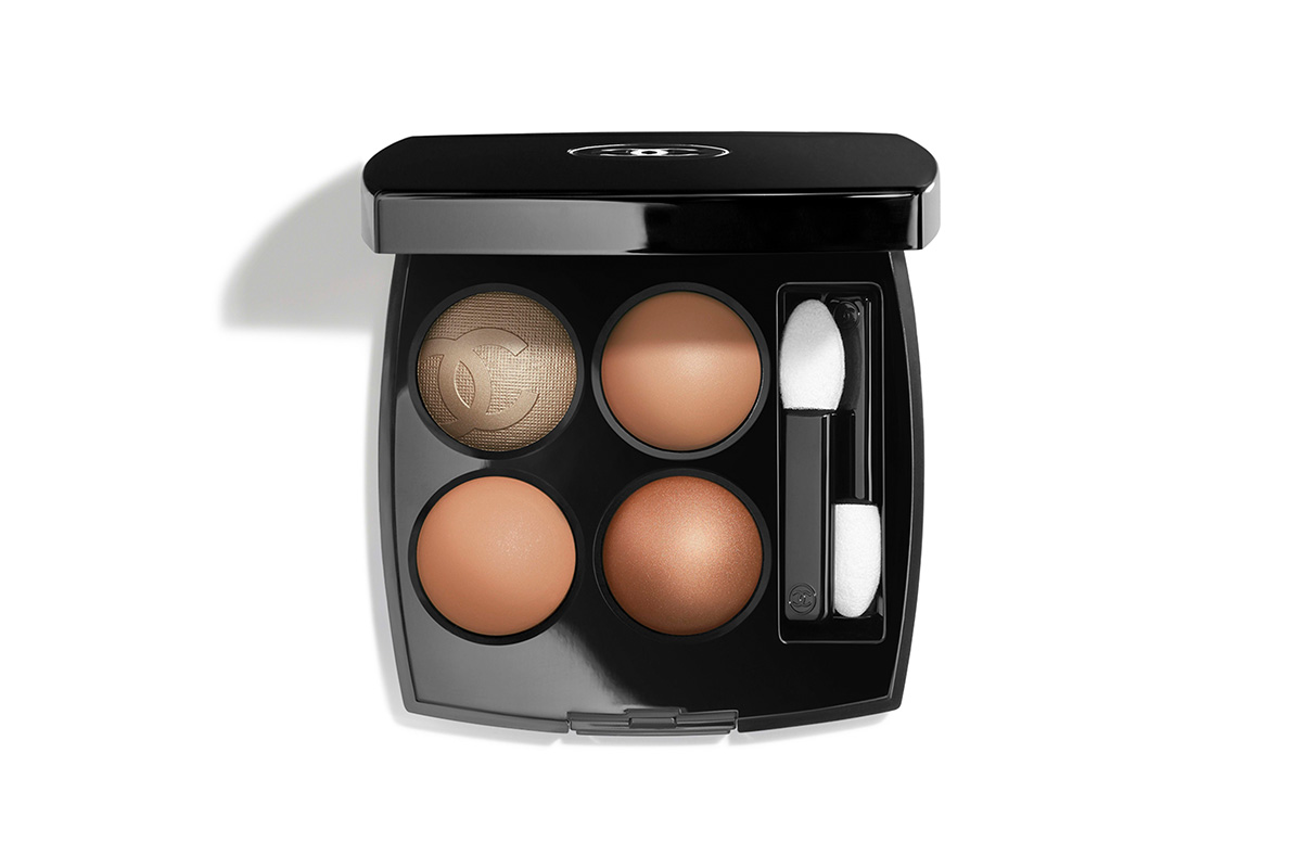 Chanel, Duo Bronze Et Lumiere in Clair