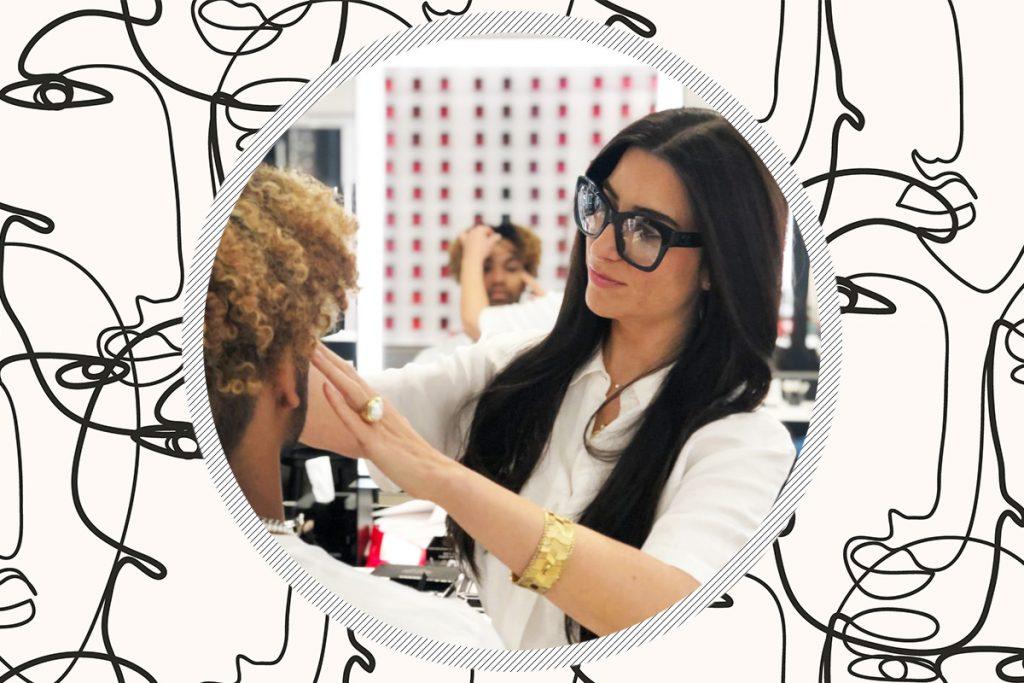 Chanel Beauty эксперт по бровям