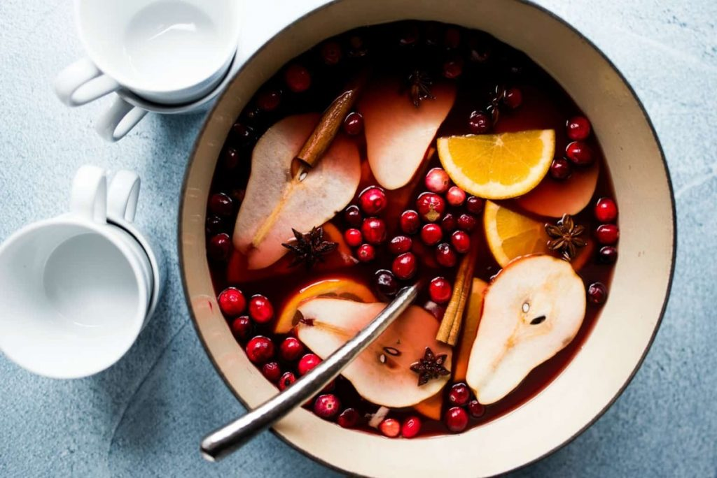 рецепт глинтвейна с клюквой и грушей