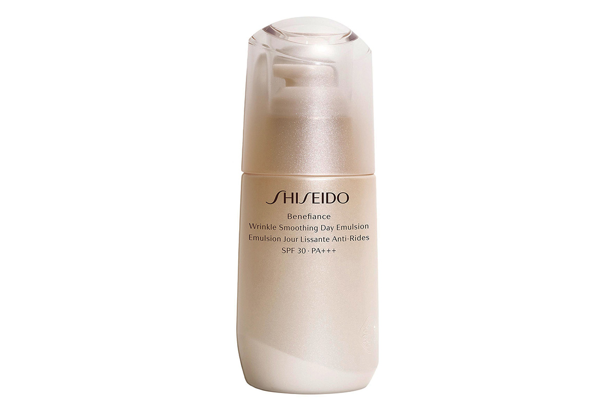 Shiseido, Benefiance Wrinkle Smoothing Day Emulsion SPF 20