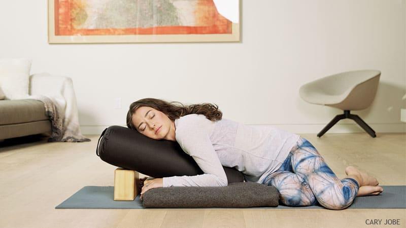 йога от для восстановления после праздников