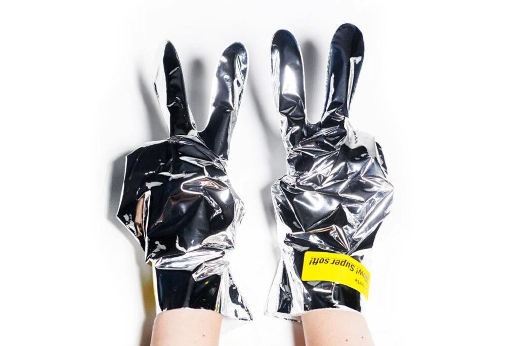 Альтернатива салонному уходу во время карантина: маски-перчатки для рук