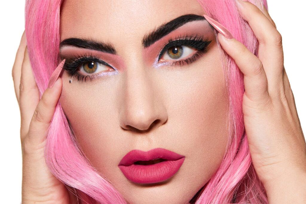 Леди Гага запускает новую палитру теней для век Stupid Love