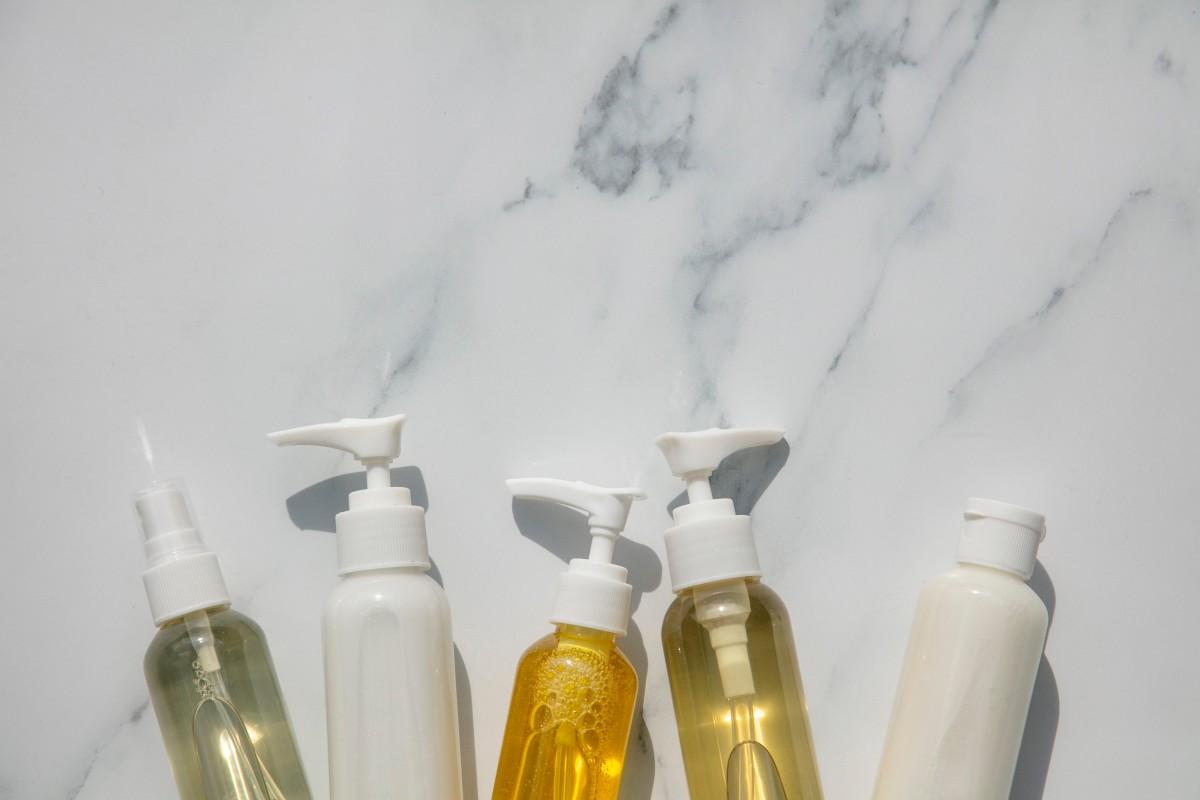 Міцелярні шампуні: що це, як працюють і кому потрібні