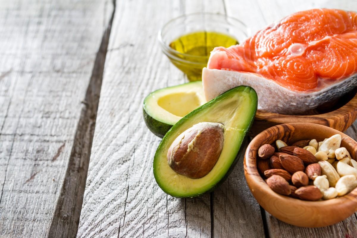 Полезные жирам: когда, сколько и в каких продуктах искать