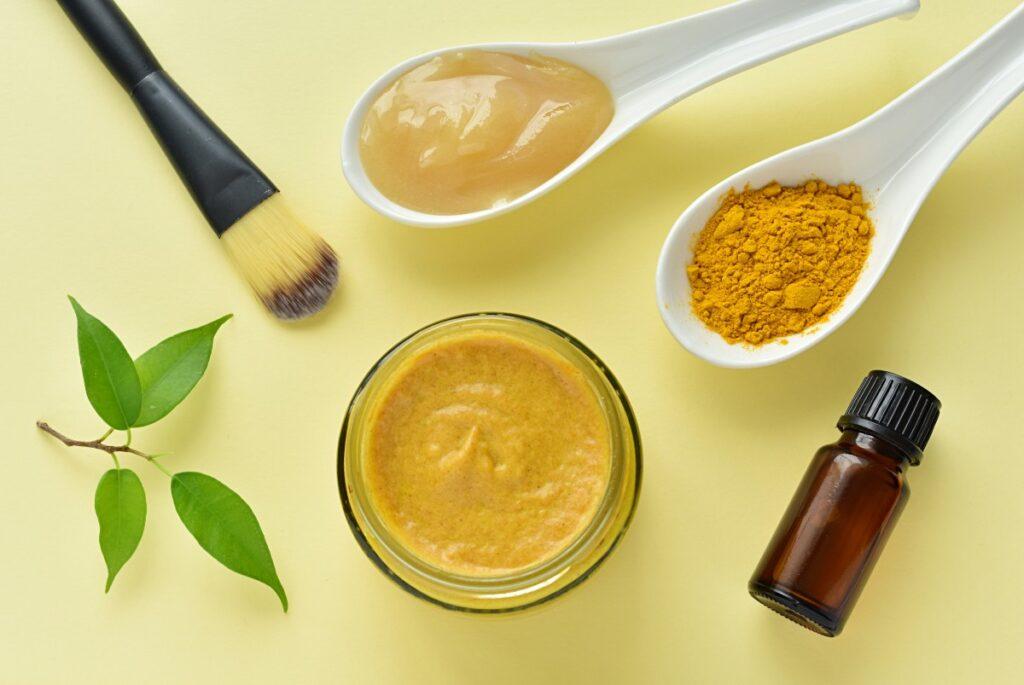 Куркума для красоты кожи и волос: топ-5 бьюти-лайфхаков