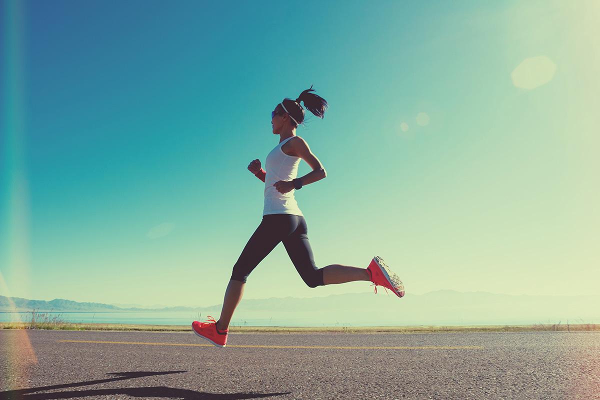 Бег во время месячных: польза или вред
