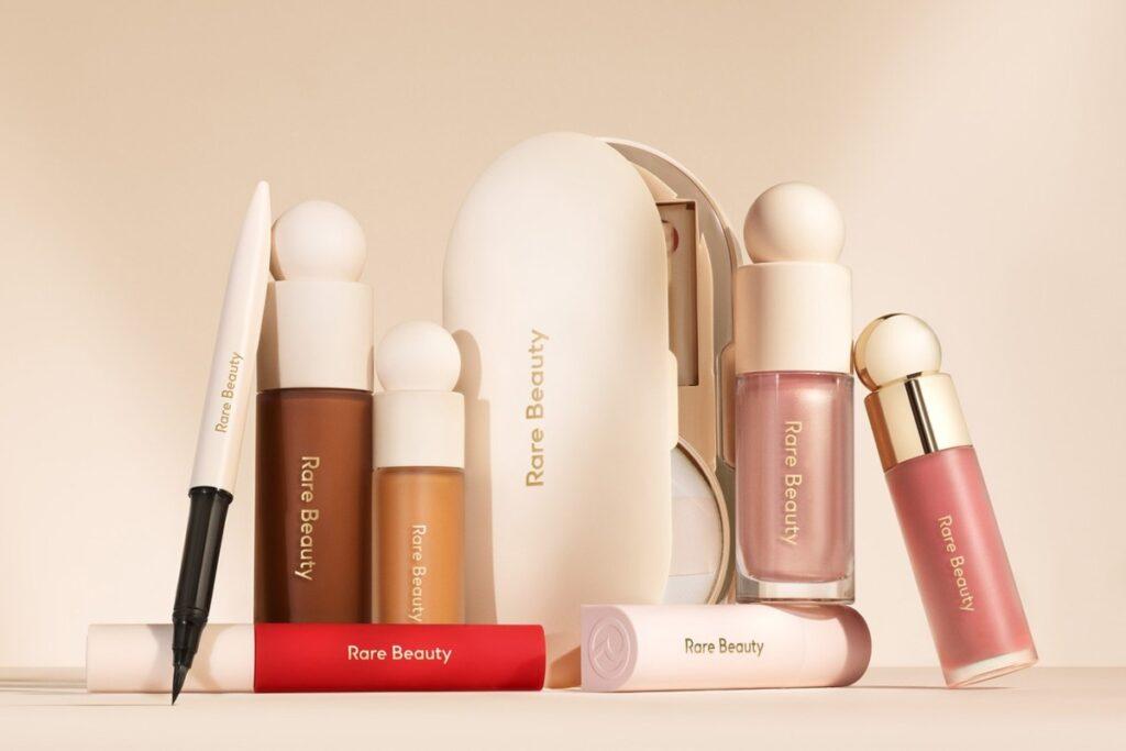 Селена Гомес показала первую коллекцию своего бренда Rare Beauty