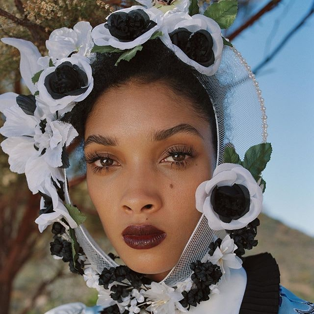 Rodarte: бордовые губы и цветочные головные уборы