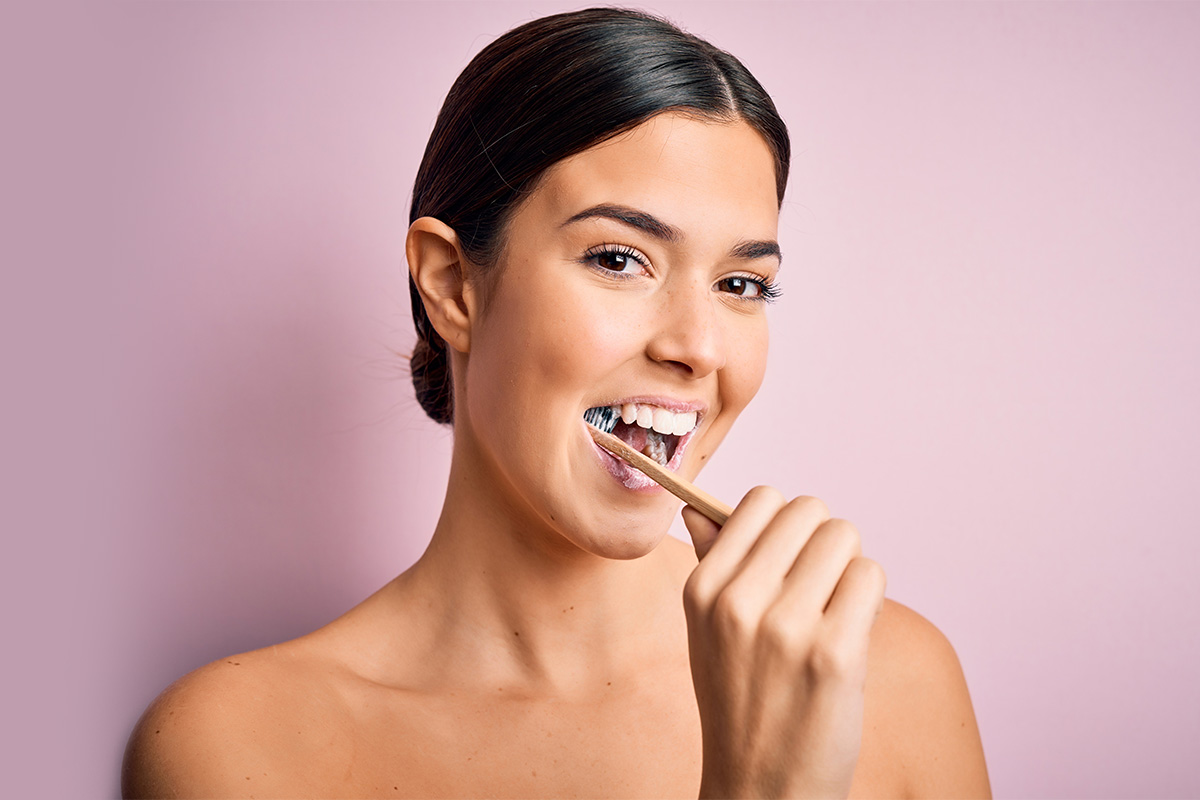 От первого до 32-го: домашняя и профессиональная чистка зубов
