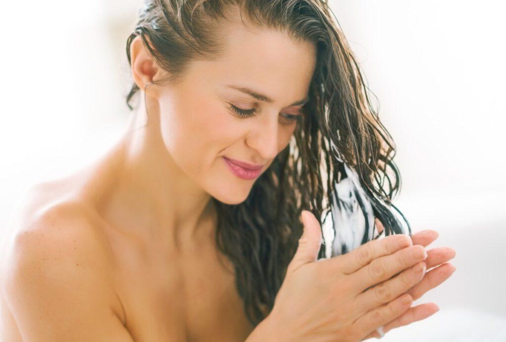 Как увеличить прикорневой объем волос: 5 проверенных методов