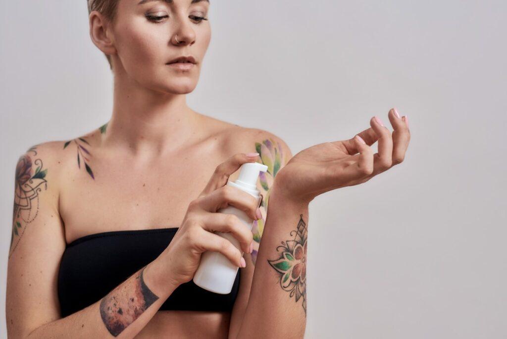 Как ухаживать за тату: полная инструкция
