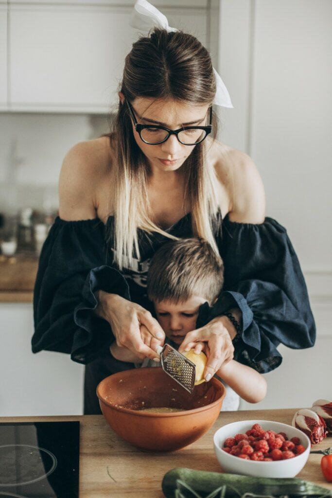 Алиса Купер о работе в преддверии Пасхи, отношению к еде и любимом рецепте «паски»
