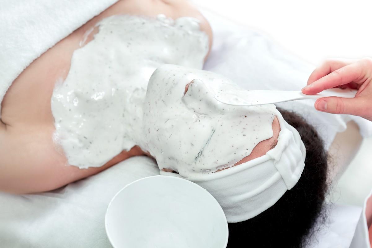 Альгинатные маски для лица: в чем секрет бьюти-средства