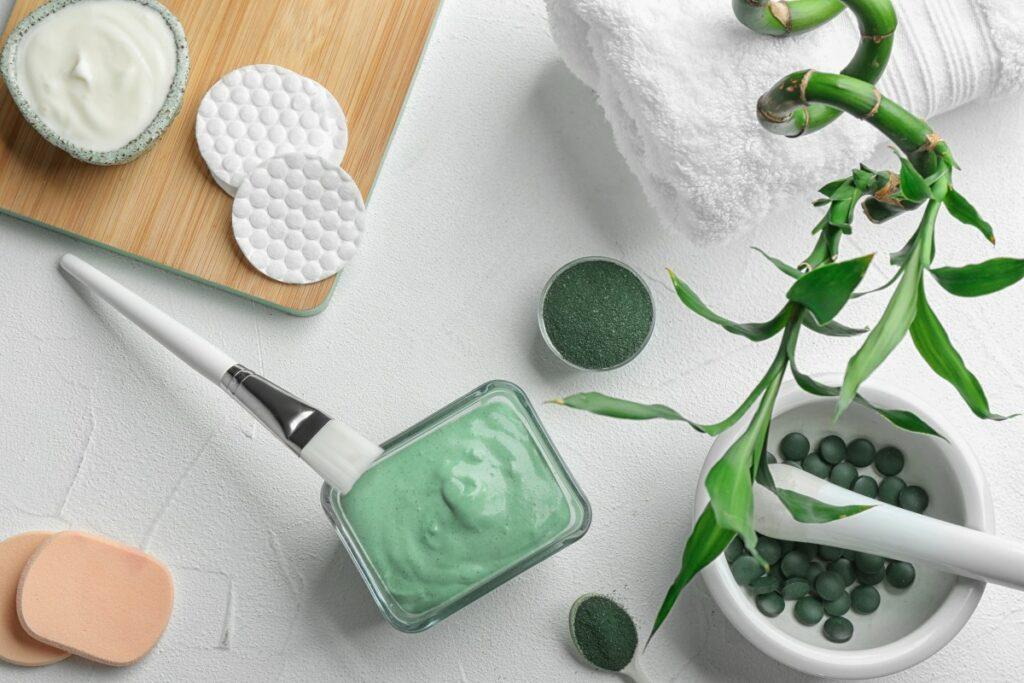 Blue light skincare: как защитить кожу от синего света