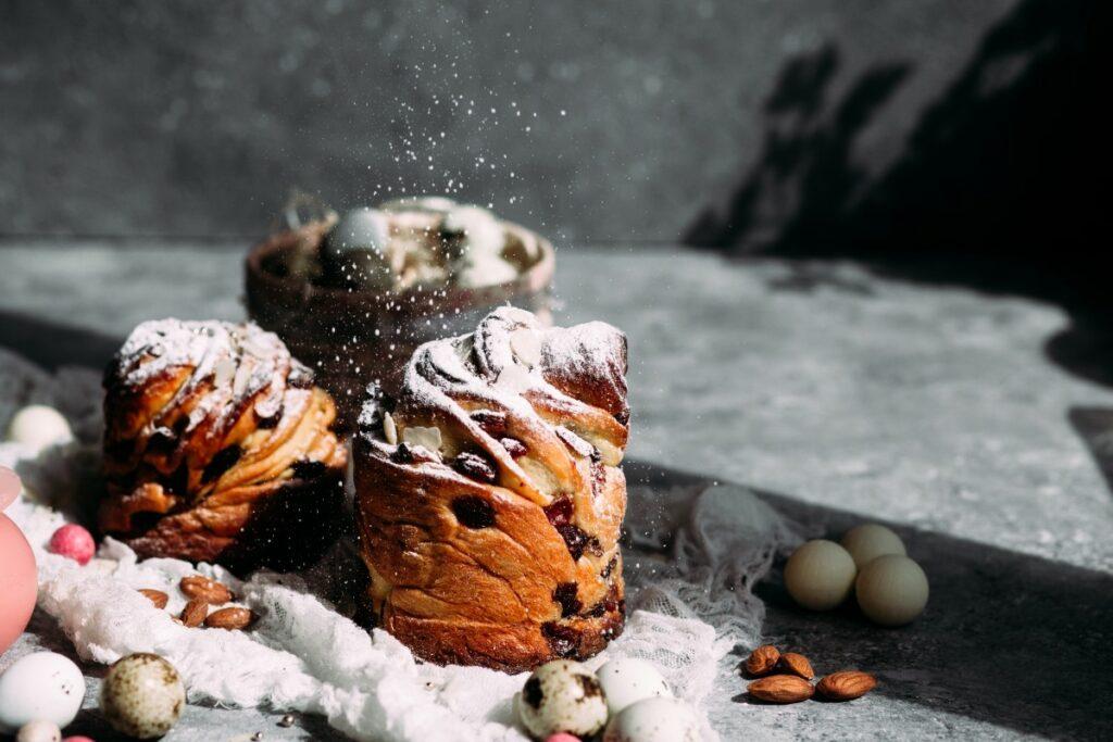 Рецепт паски-краффин с клюквой, изюмом и курагой