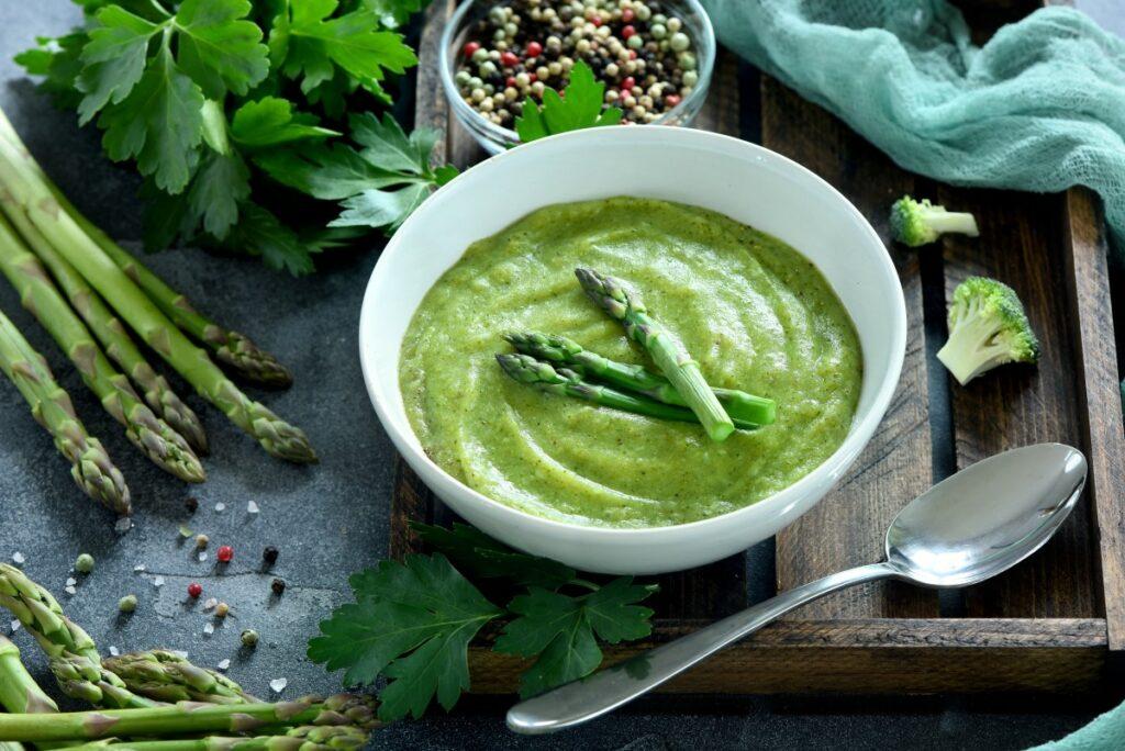 Вершковий крем-суп зі спаржею – покроковий рецепт з фото
