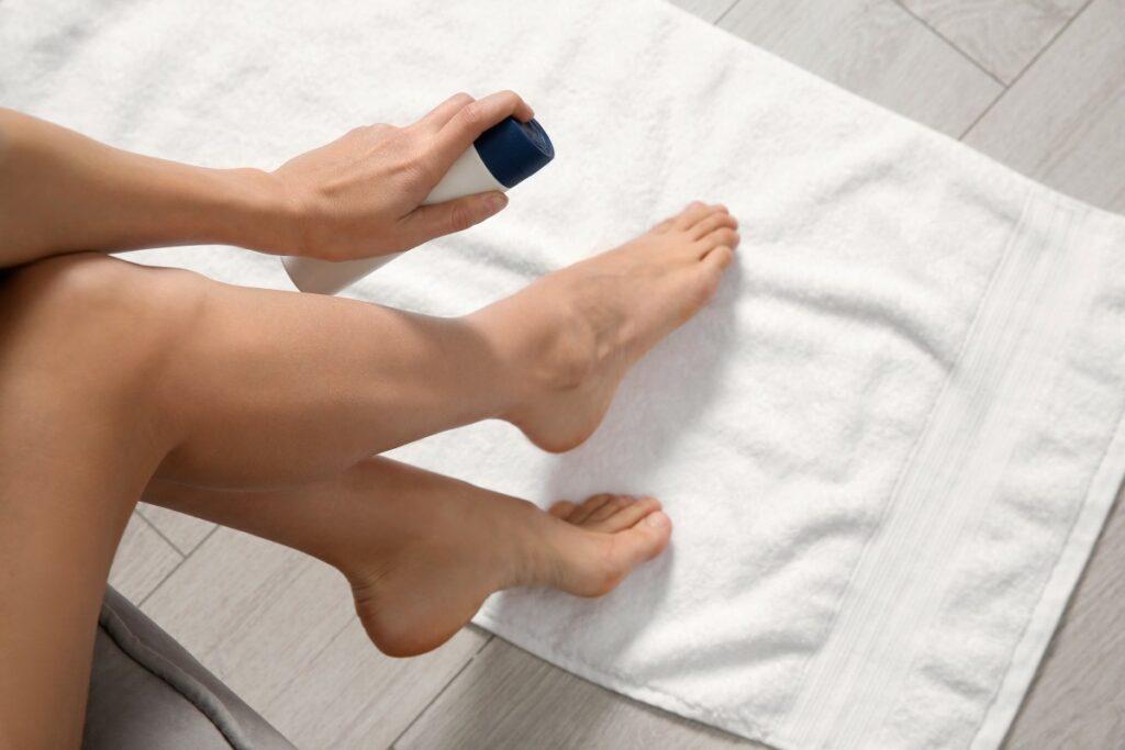 Чому пітніють ноги і що з цим робити