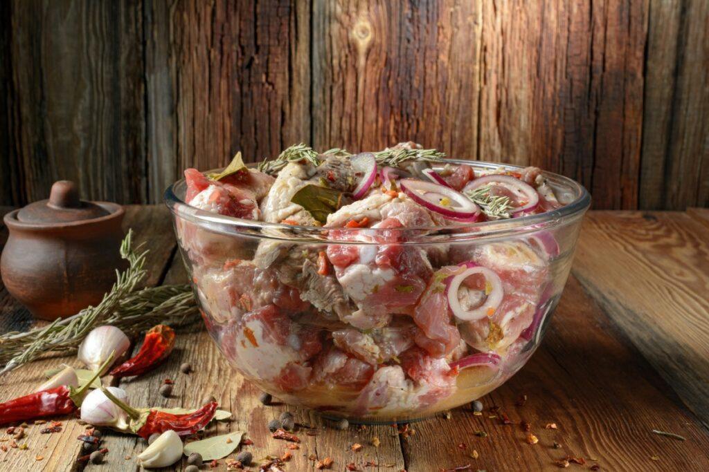 Маринады для шашлыка: ТОП–5 оригинальных рецептов