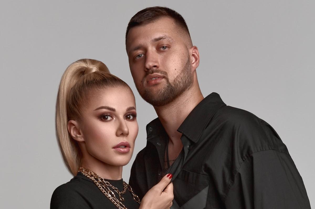 TamerlanAlena зачитали Сергея Есенина в новом сингле «Хочешь»