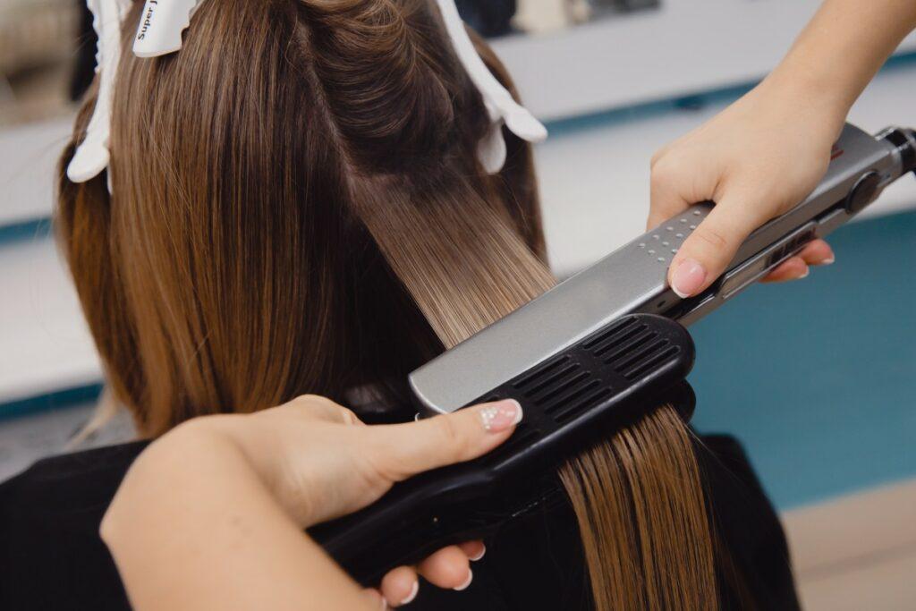 Как выпрямить волосы без модных девайсов — полезные лайфхаки