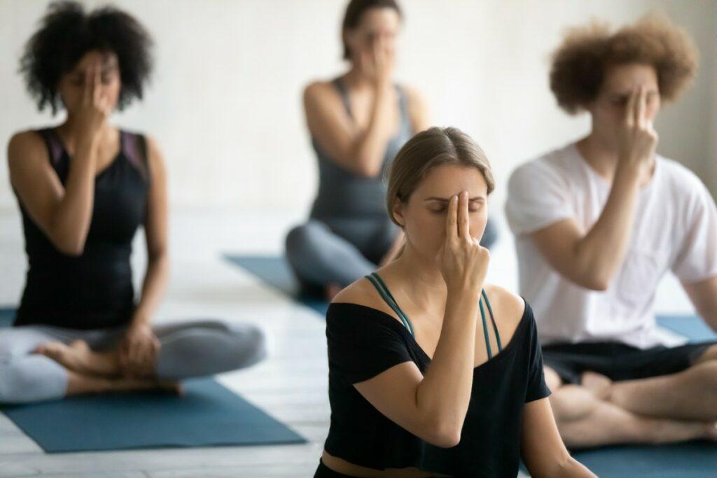 Пранаяма: дыхательные практики для начинающих