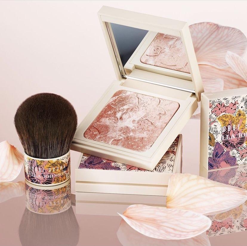 Новая осенняя коллекция макияжа Bobbi Brown x Ulla Johnson Butterflies and Hibiscus Makeup Collection Fall 2021