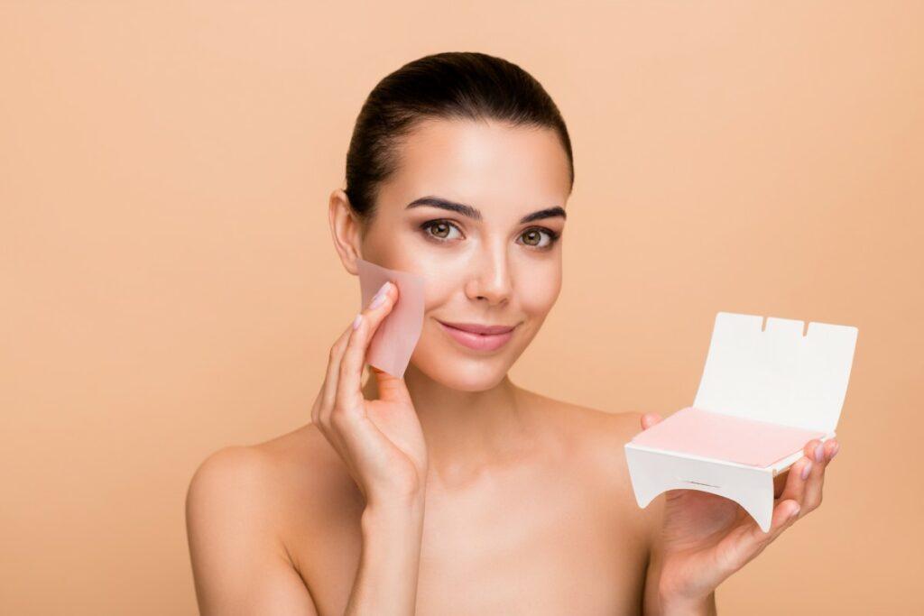 Як зберегти макіяж у спеку: 7 ефективних способів