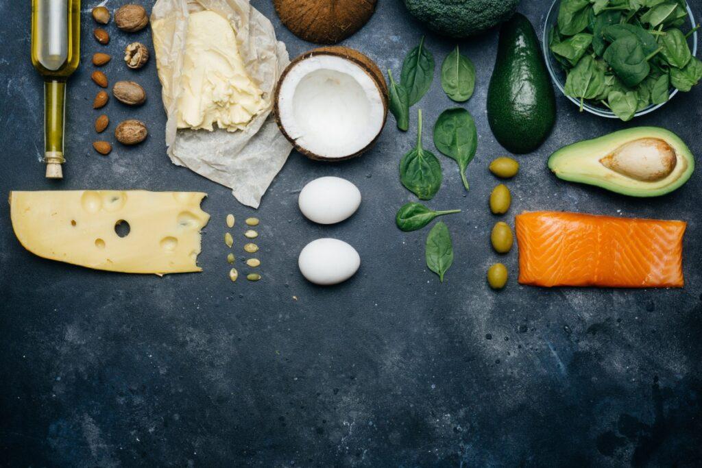 Як харчування впливає на акне: думка експерта