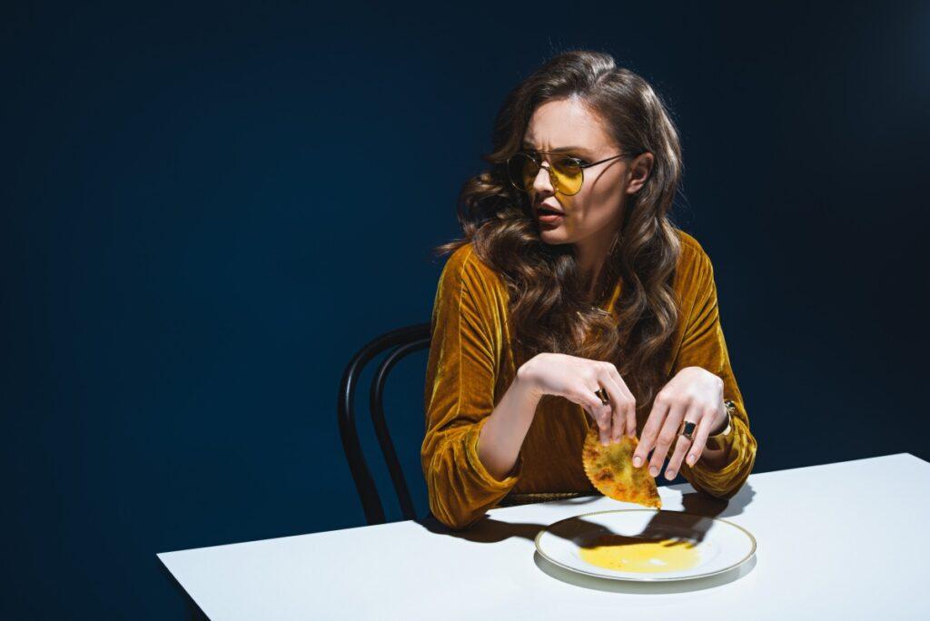Розлад харчової поведінки: усе, що треба знати про булімію